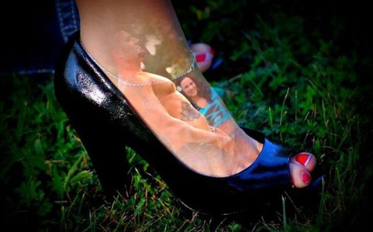 imagen sobrepuesta sobre pie de persona