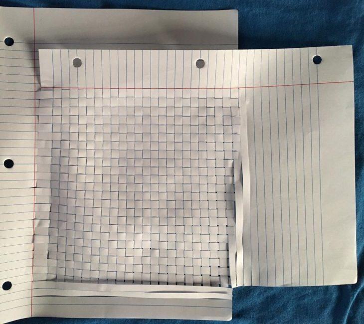 hoja de papel cortada geométricamente