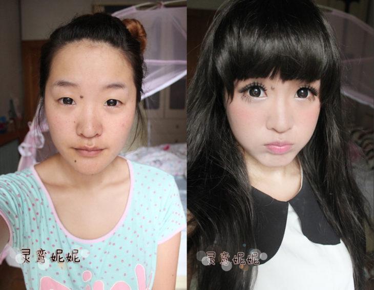 chica asiática antes y después de maquillarse