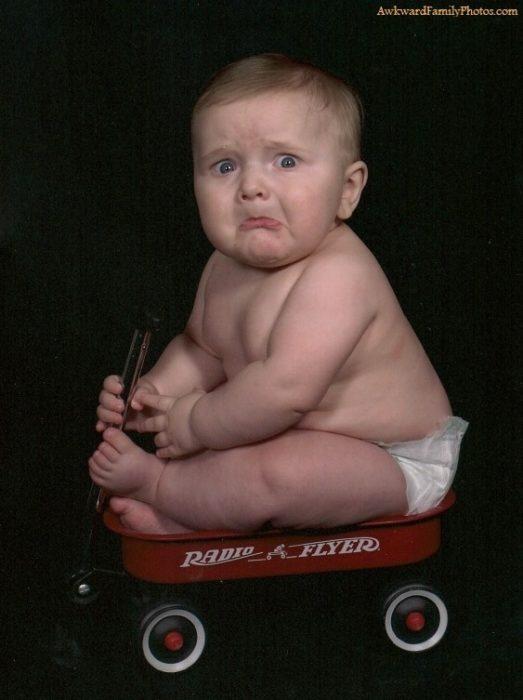 niño con cara de asustados