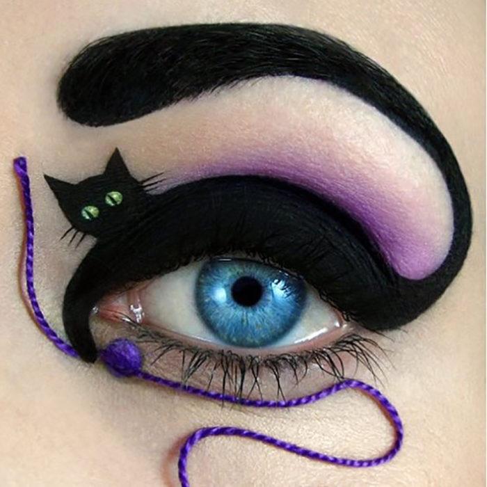 maquillaje para ojos de Gato con su bolita de estambre