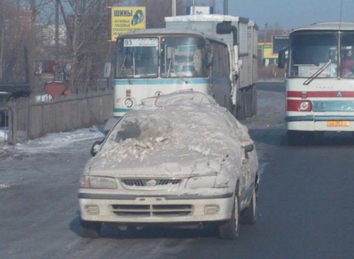 carro lleno de nieve