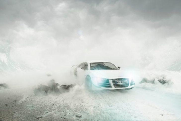 Audi R8 en medio de neblina
