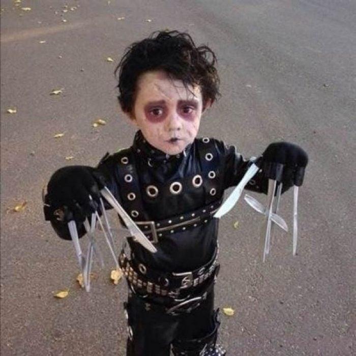 Disfraces niños manos de tijeras