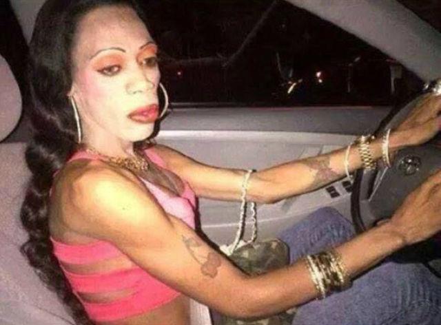 Fails maquillaje - mujer maquillada parece cadáver