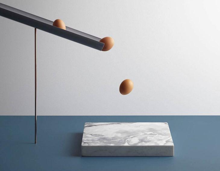 Aaron Tilley -Huevos cayendo