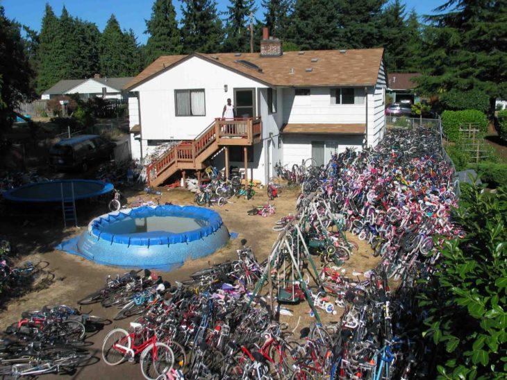 Fotos sin sentido - Casa con miles de bicicletas