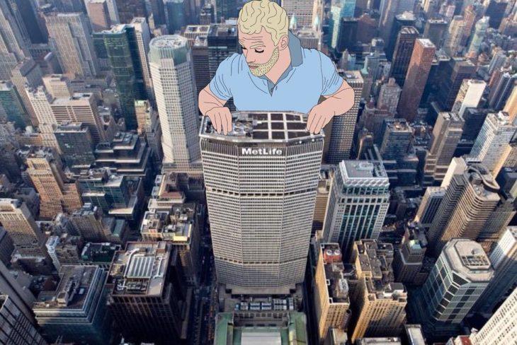 Ilustraciones Julia - hombre asomándose entre los edificios