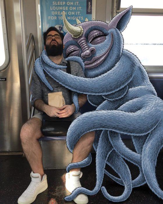 Ilustraciones metro - unmonstruo abrazando a un hombre