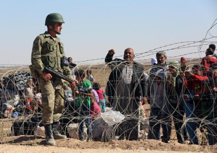 sirios quieren cruzar la frontera en turquía