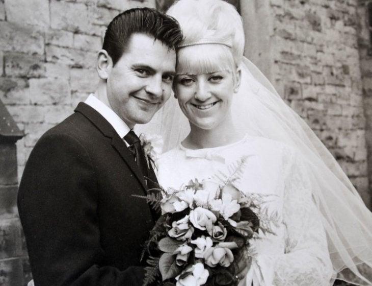 Pareja contrae matrimonio en 1966