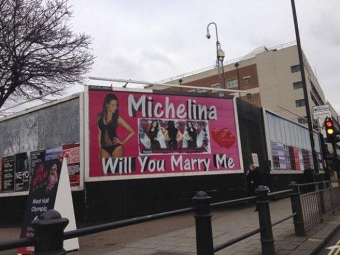 Peores propuestas de matrimonio - en un espectacular