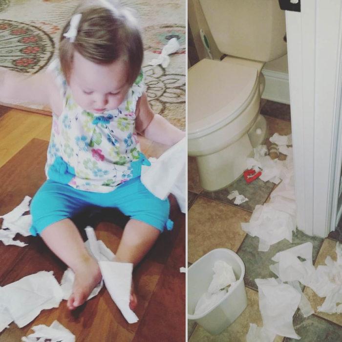 Papás cansados - niña tiró toda la basura del baño y juega con los papeles