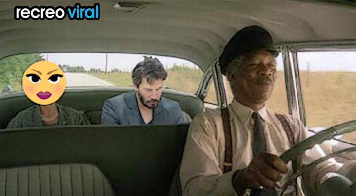 keneau dentro de taxi