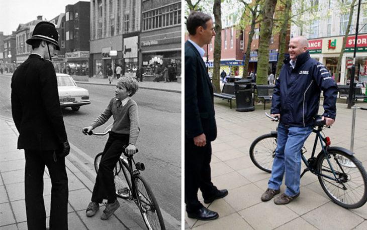 hombres rehacen foto de cuando eran jóvenes y el niño estaba en una bici frente a un oficial