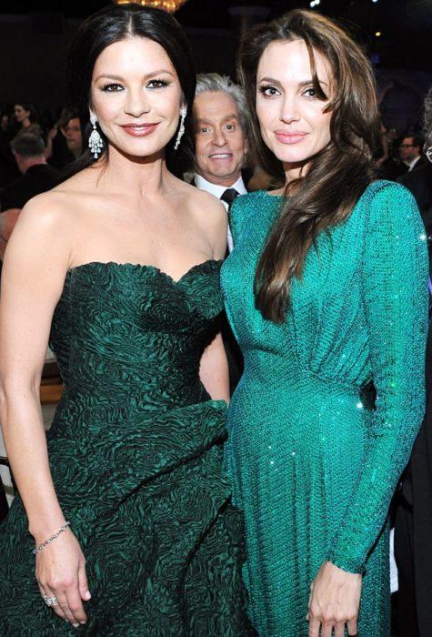 Michael Douglas arruinó la foto de Angelina Jolie y Catherine Zeta Jones