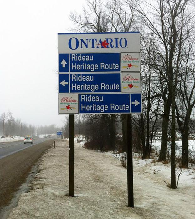 cartel donde Todos los caminos conducen al mismo lugar