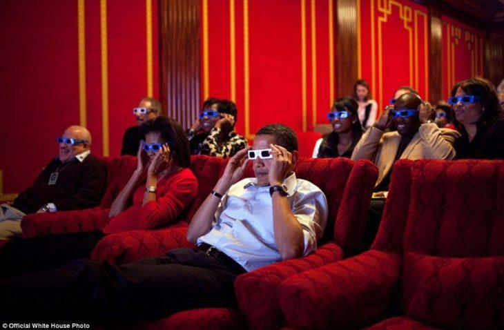 Obama y los miembros del servicio ven Men in Black 3 en la Casa Blanca
