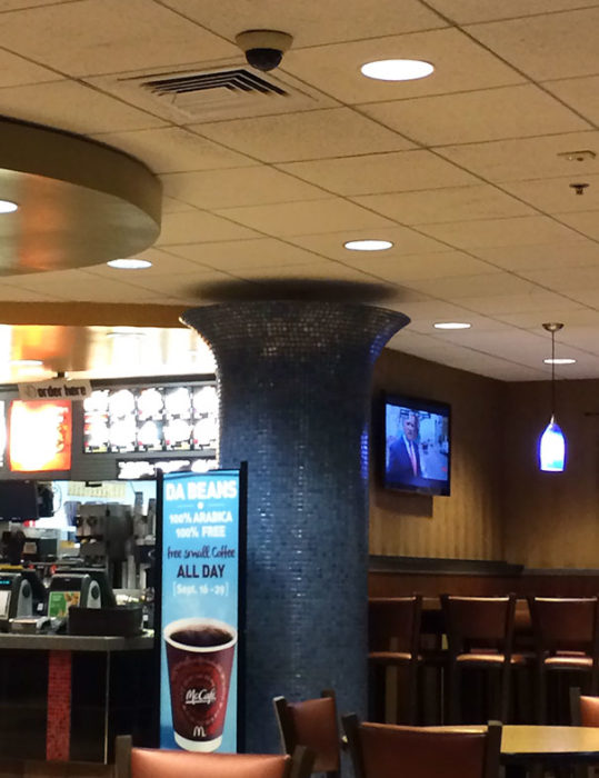 columna que no llega a la pared