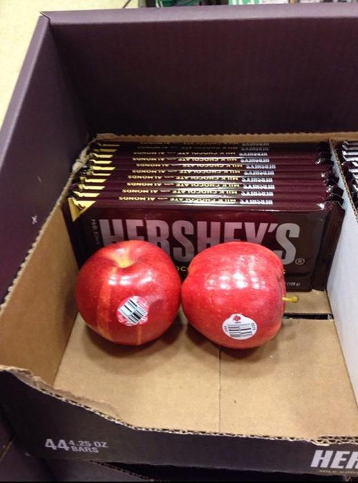 manzanas en caja de chocolates hershey