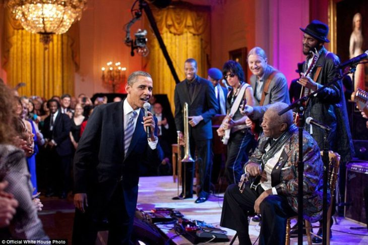 Obama canta con B.B King Sweet Home Chicago