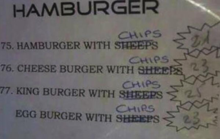 menú mal traducido, en lugar de papas pusieron ovejas