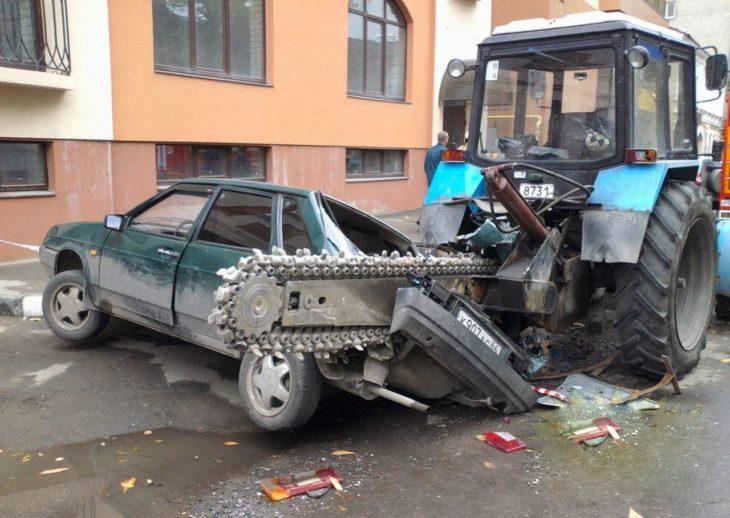 máquina cortando un carro