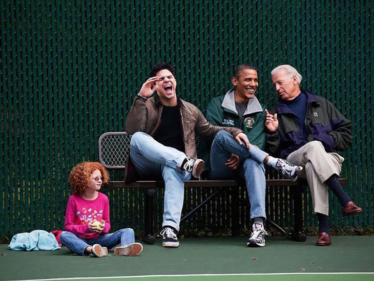 chico se edita al lado de barack obama