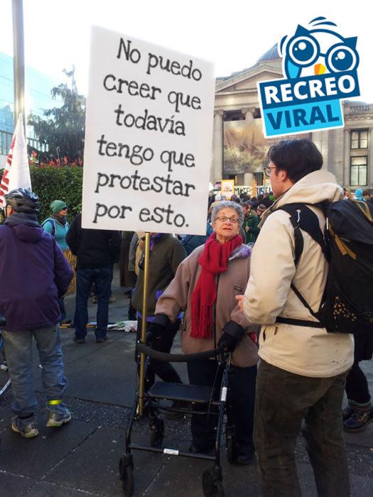 abuelita manifestante
