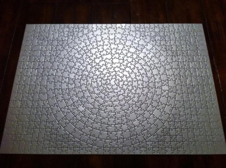 rompecabezas gris