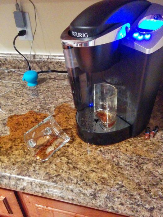 taza de cafetera quebrada