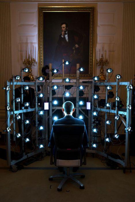 Obama se sienta para un retrato en 3D