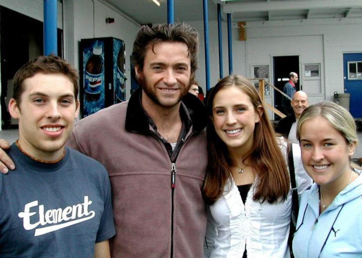 Dustin Hoffman se meten en la foto de Hugh Jackman y sus fans