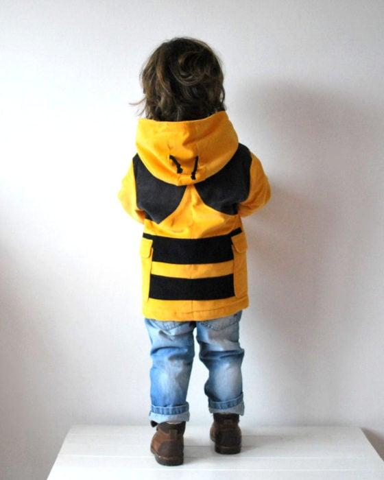 Abrigo de abejorro para bebés