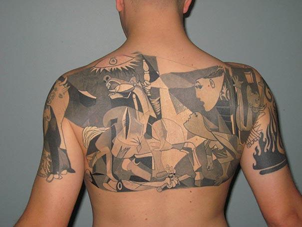 Tatuaje inspirado en Picasso - mural en la espalda