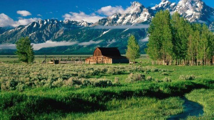 Casa en las verdes praderas