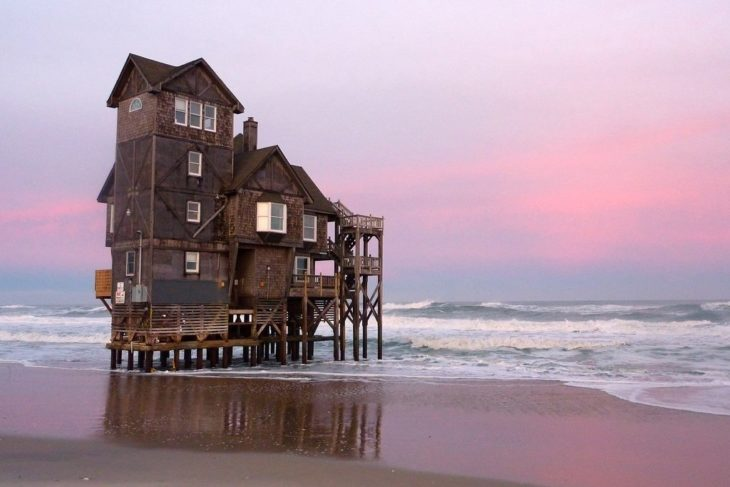 Casa a la orilla del mar