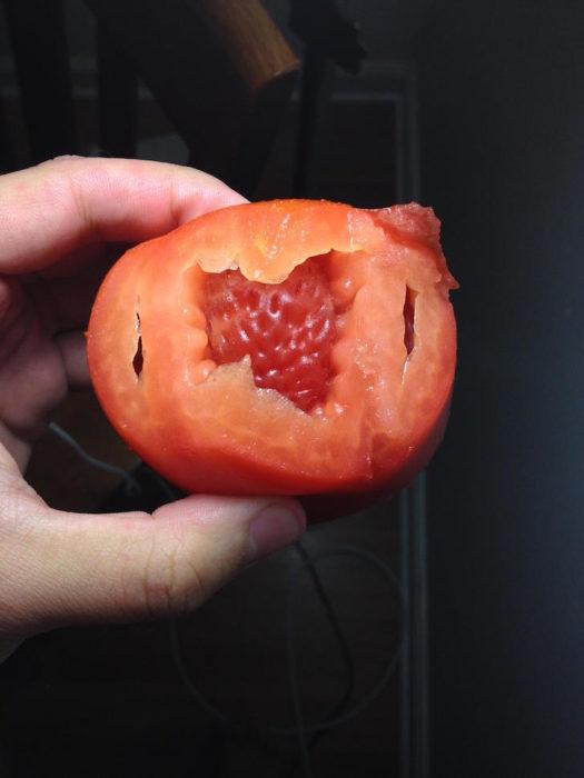 tomate que se comió una fresa