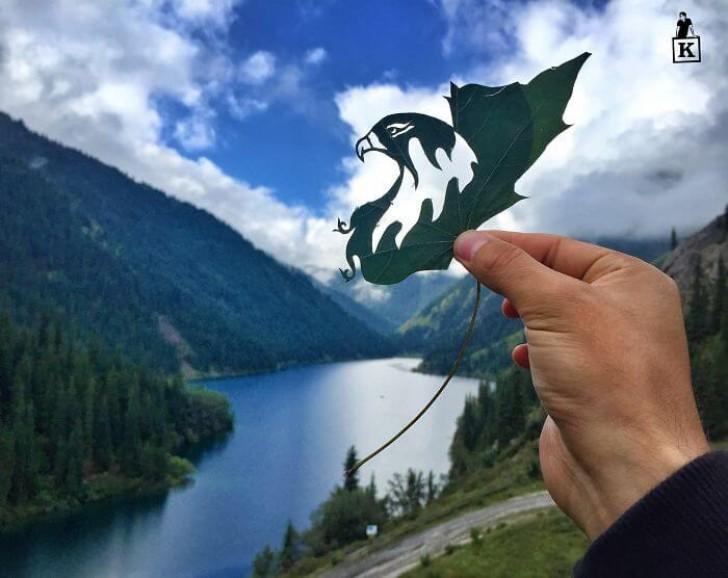 águia feita em uma folha de árvore