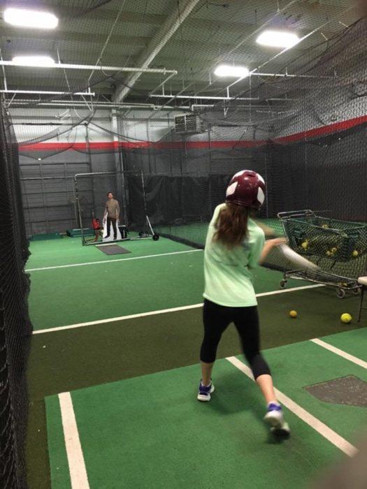 practicando béisbol