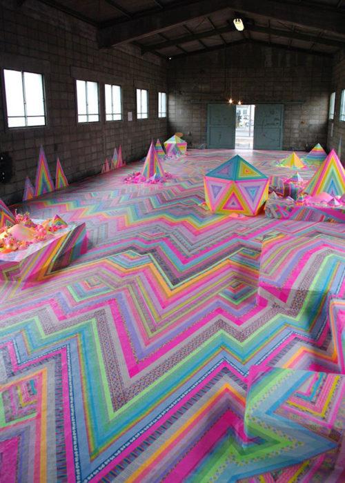 Habitación decorada con todo tipo de caramelos