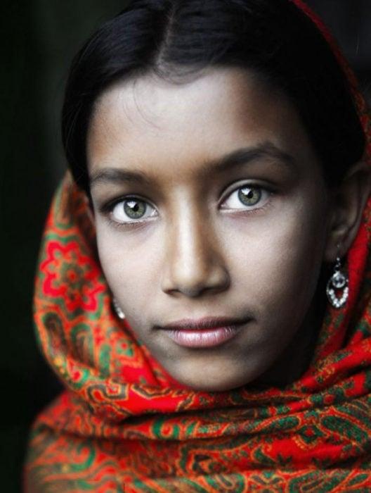 Chica ojos verdes hermosos