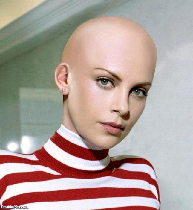 Charlize Theron calva