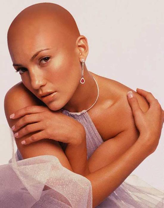 Jennifer Lopez calva