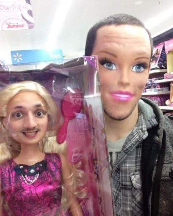 faceswap de hombre con muñeca barbie