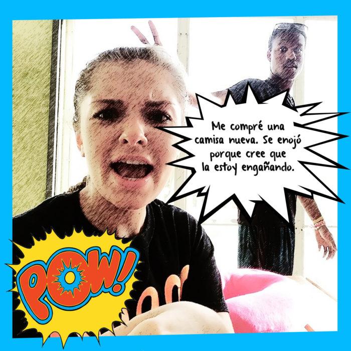 mujer enojada haciendo gesto de grito
