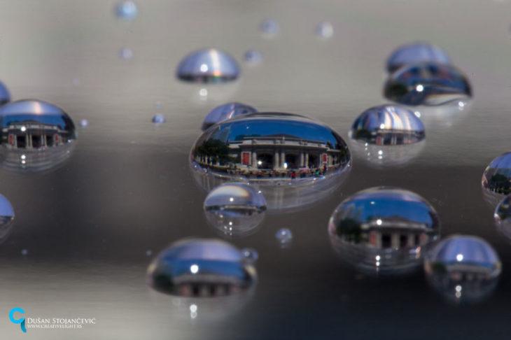 foto de la biblioteca nacional de nueva york tomada en gotas de agua