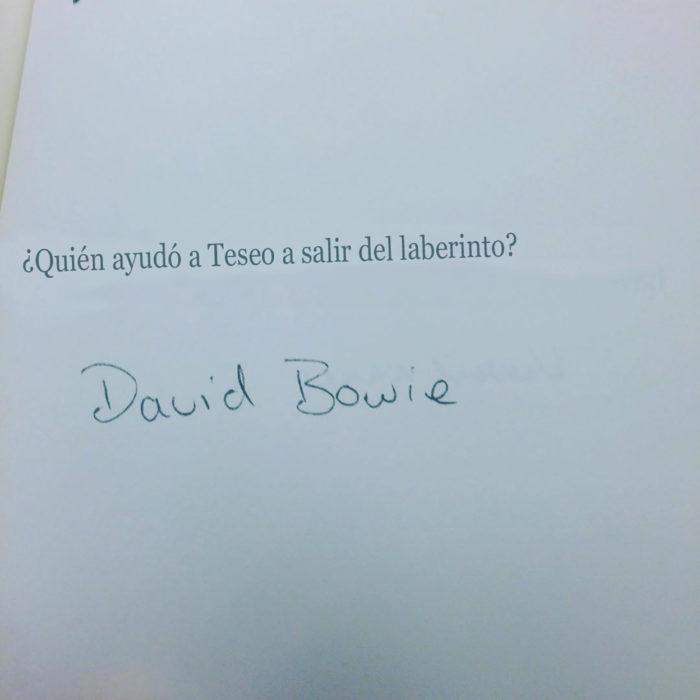 pregunta de examen con respuesta graciosa de david bowie