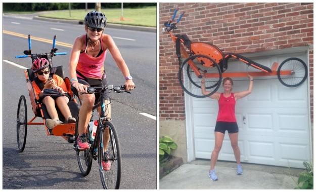mujer en bicicleta con su hijo