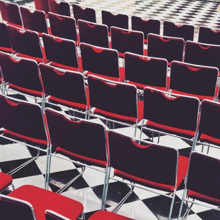 filas de sillas